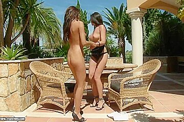 Sandra Shine showing some of her lesbian secrets outside