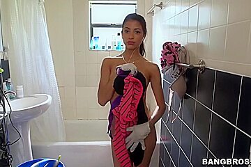 Cleaning Girl with tight body soon to get fucked