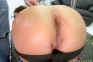 Mason Moore gets her ass stretched by Scott Nails