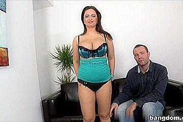 Sirale in Her first Fan!