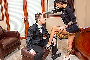 Bonnie Rotten & Bruce Venture in Naughty Rich Girls