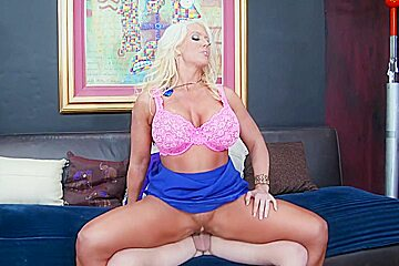 Alura Jenson & Seth Gamble in My Friends Hot Mom