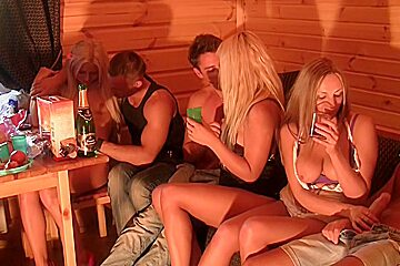Autumn & Grace & Bianca & Olie & Savannah in college sex video with a group of hot chicks