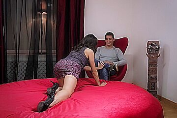 Glamour porn clip of Adelle getting her twat fucked
