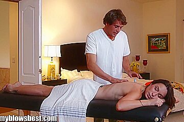 MommyBB Amber Rayne's massage ends in a fucking session