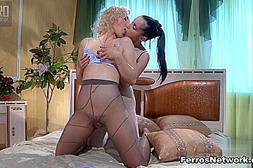 Pantyhose1 Clip: Betty and Veronica
