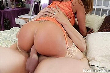 Ava Devine & Anthony Rosano in I Have a Wife