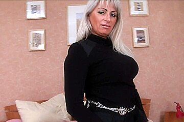 Clueless milf does anal free videos watch download