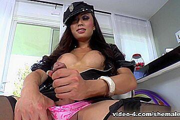 ShemaleIdol Movie: Venus Lux