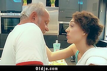 Hot beauty translate sex for old man