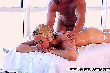 Sarah Vandella in Pure Massage Video