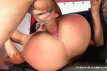 Sadie West Gets Pierced By Spyder Jonez