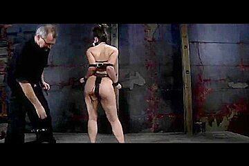 Villein Charlotte Vale Pervert SADOMASOCHISM Cocek in Chains