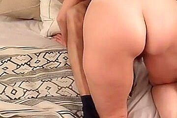 Homemade anal : Buttocks Massage makes Booty Milf very lascivious