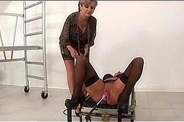 Lady Sonia - Mia Experiences The Stretch