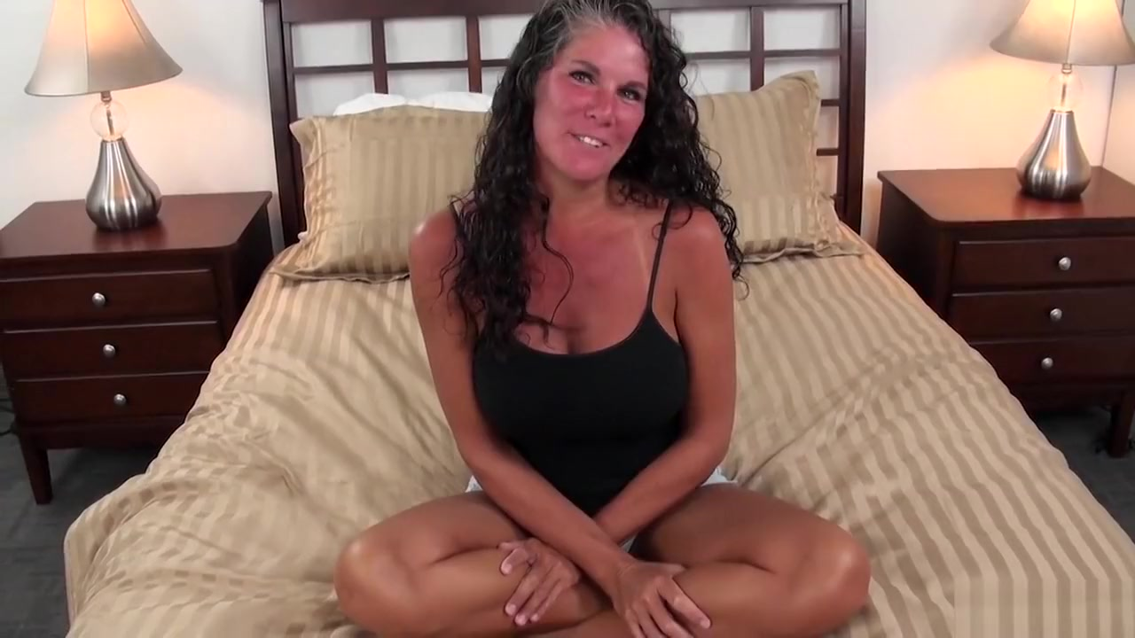 nude huge breasted moms