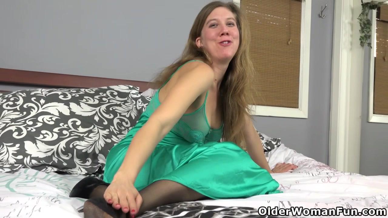 curvy big tities Hairy pussy