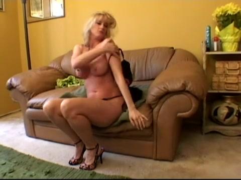Bethany Ravishing blond mother I'd like to fuck buttfuck