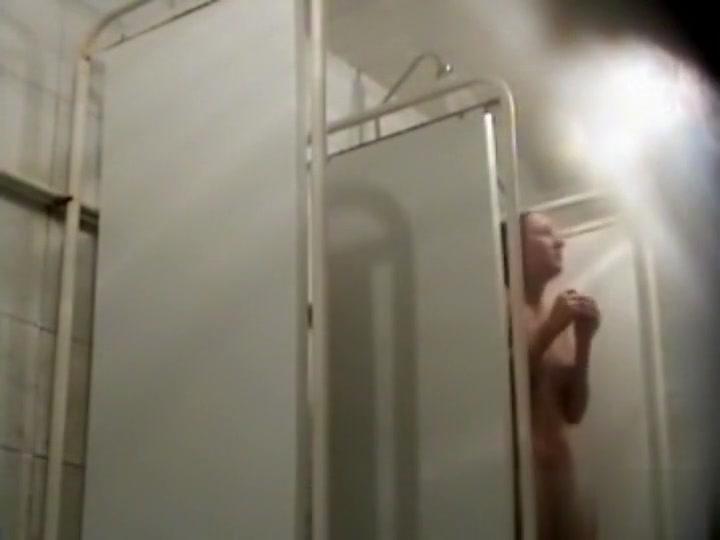 kamera-v-dushe-sportzala