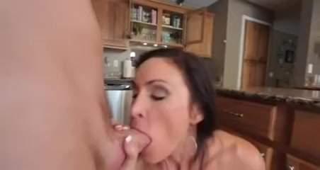 My Ally's Sexy Mommy!!
